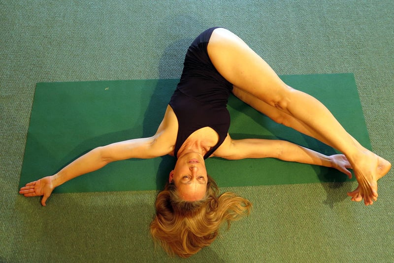 Jathara-Parivartanasana-weight-loss