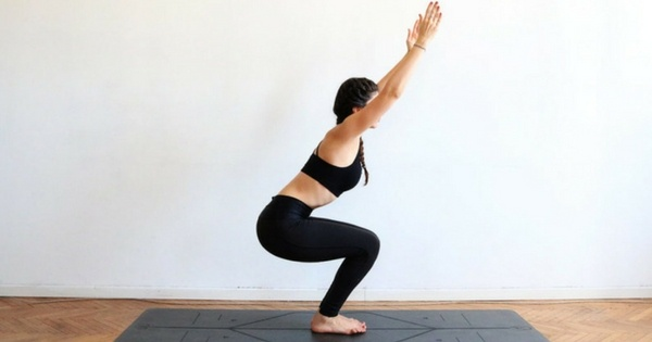 Utkatasana-yoga-weight-loss