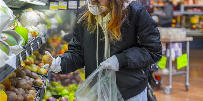 tips to stay safe during while grocery shopping