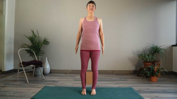 tadasana-mountain-pose-pregnancy